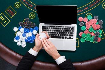 Diferencias y similitudes entre salas de casino y casinos online